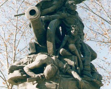 Héroes del Dos de Mayo. Jardines de Ferraz. Madrid