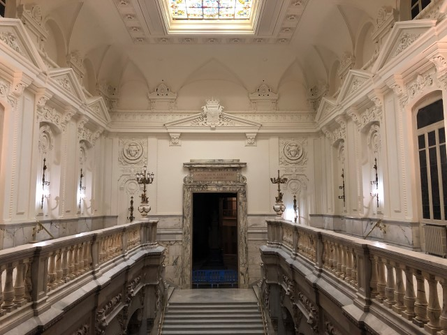 Restauración de la bóveda del techo de la Escalera Real del Edificio Tradicional del Banco de España. Madrid